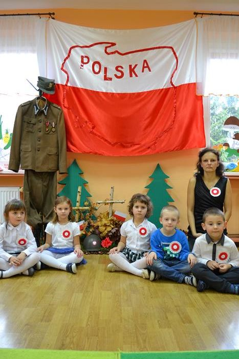 """Uroczystość w grupie """"Kubusia Puchatka""""pt.""""Polska moją Ojczyzną"""""""