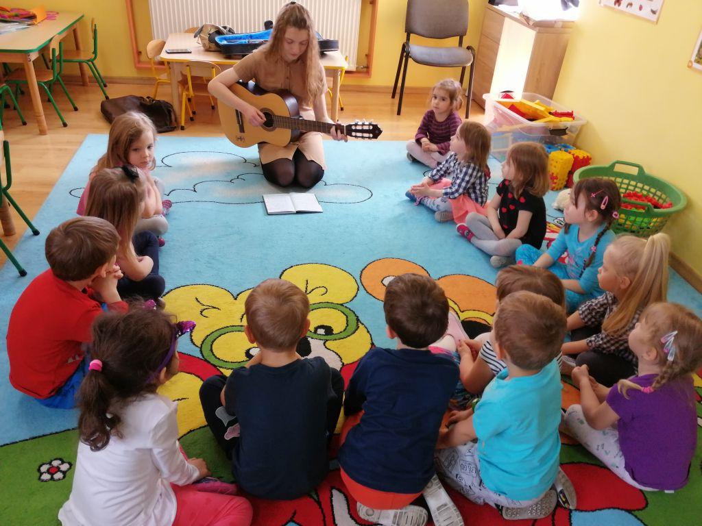 """Projekt edukacyjny """"Dziecko i muzyka"""""""