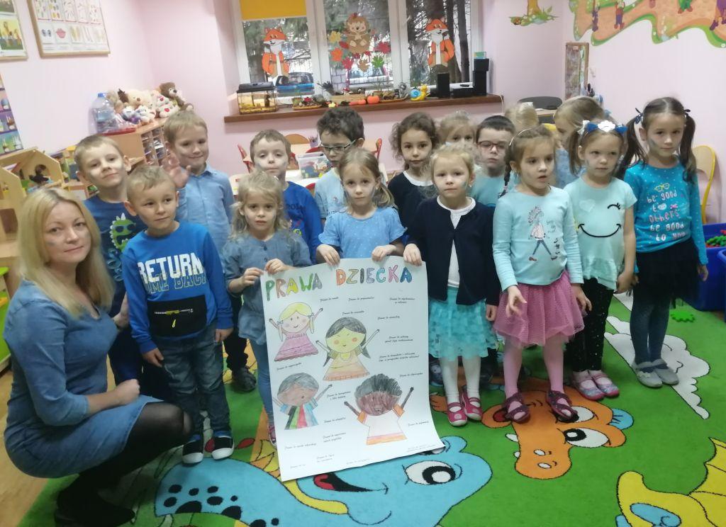 Grupa Pszczółki świętuje Miedzynarodowy Dzień Praw Dziecka wspólnie z Unicef